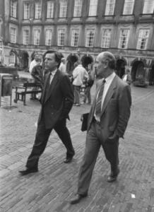 Elco Brinkman en Bert de Vries op het Binnenhof, 28 september 1989
